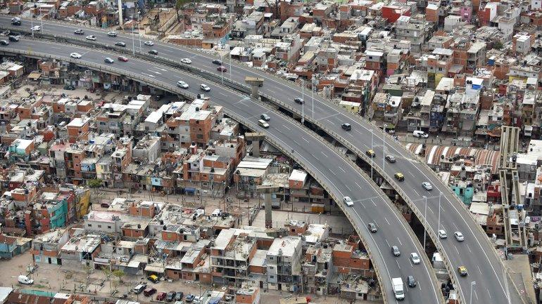 Villa 31 encontraron un arsenal narco en un container for Villas en argentina