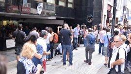 Un grupo de militantes se concentró este miércoles frente la sede de la Afsca