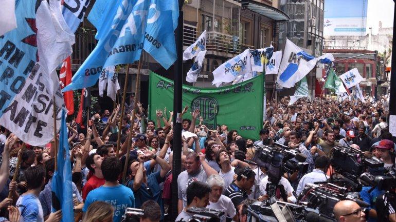 El kirchnerismo  le declaró la guerra a Macri