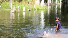 Hay miles de evacuados y al menos dos muertos por las inundaciones