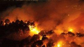 El incendio afecta al barrio de El Marquesado, en el sur de la ciudad