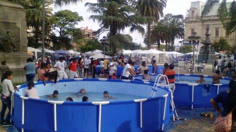 Las piletas en el acampe de Milagro Sala en Jujuy