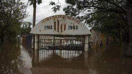 Al menos unas 9.700 personas continúan evacuadas