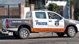 Violento ataque contra dos policías en Moreno.