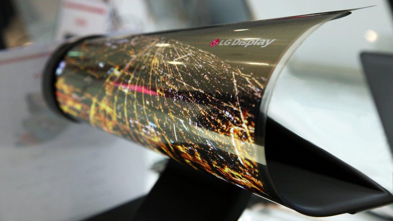 Una pantalla enrollable de LG, una de las estrellas del CES 2016