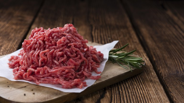 La carne picada es una fuente de peligro bacteriano