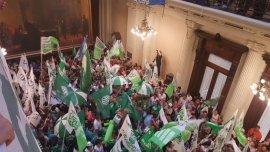 En diciembre, la primera tanda de despidos generó una ola de protestas en el Senado