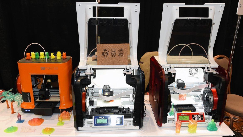 Impresoras 3D, entre las que se puede ver la da Vinci Mini 3D