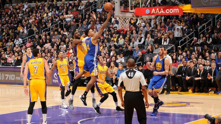 Golden State se lució en la casa de los Lakers.