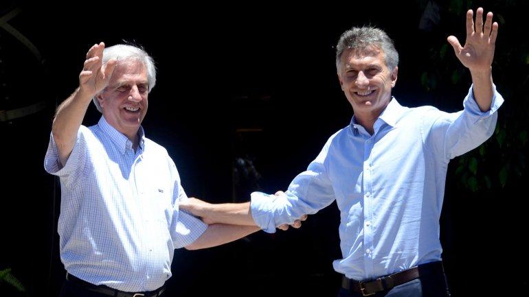 Tabaré Vázquez recibió a Mauricio Macri en Uruguay.