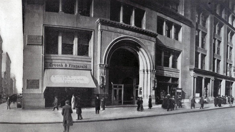 La esquina de la Quinta Avenida y la calle 20 Oeste, a principios del siglo XX