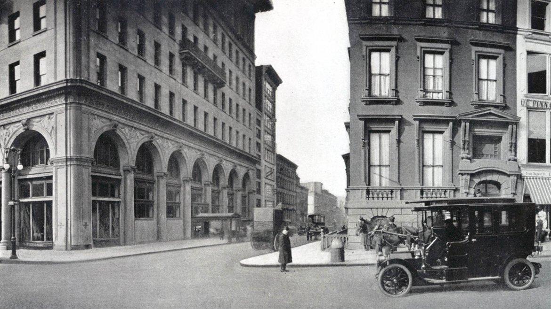 La Quinta Avenida en la intersección con la calle 36 Oeste a principios del siglo XX