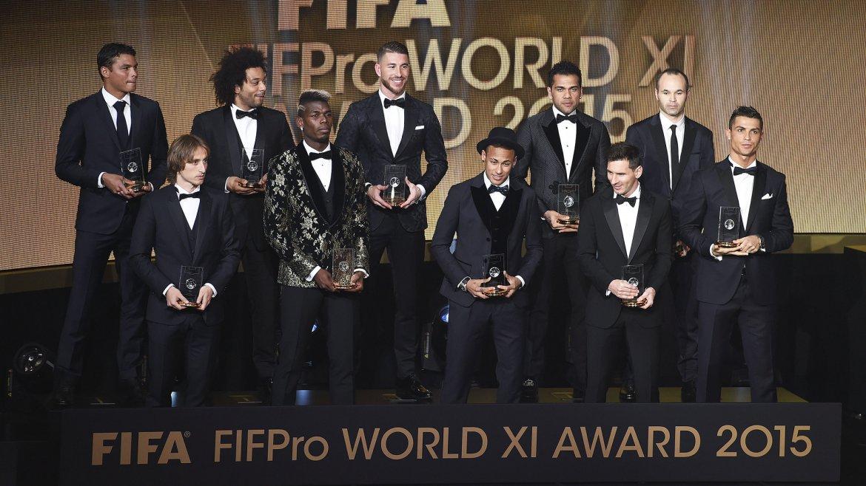 El equipo ideal del 2015:Manuel Neuer, Thiago Silva, Marcelo, Sergio Ramos, Dani Alves, Andrés Iniesta, Luka Modric, Paul Pogba, Neymar, Cristiano Ronaldo y Lionel Messi
