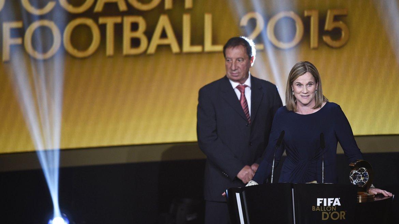 Jill Ellis fue elegida como la mejor entrenadora de fútbol femenino del 2015