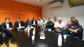 La reuniòn en el Ministerio de Trabajo bonaerense que destrabó el conflicto.