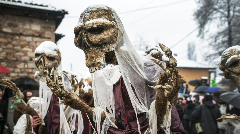 El carnaval Vevcani marca el Día ortodoxo de St. Vasilij