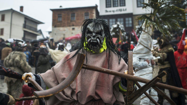 La pequeña localidad de Vevcani recibe el Año Nuevo ortodoxo con un carnaval pagano cuya tradición se mantiene intacta desde hace 14 siglos