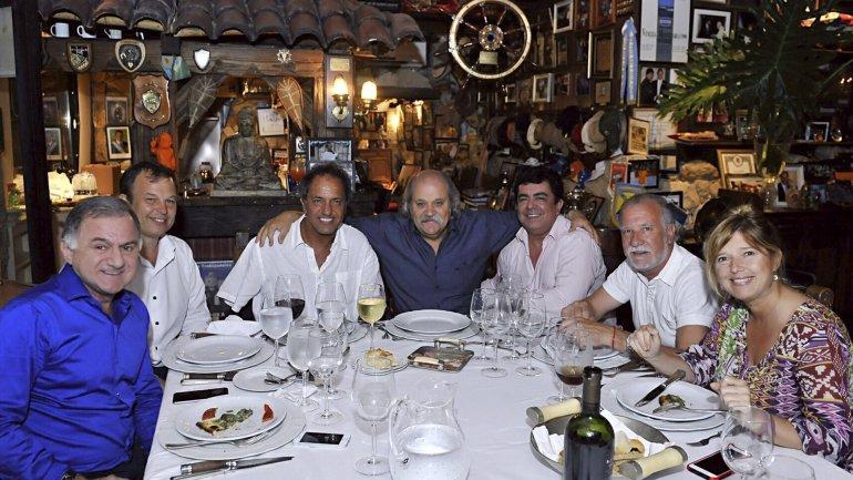 Julio Pereyra, Mariano Cascallares, Alejandro Granados, Fernando Espinoza, Omar Plaini y Cristina Álvarez Rodríguez acompañaron a Daniel Scioli en su cumpleaños