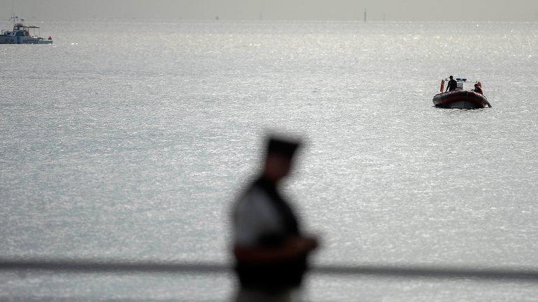 Prefectura destinó seis embarcaciones a la búsqueda de la joven.