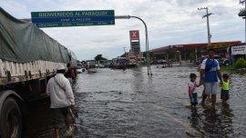 Las inundaciones que afectan a Paraguay, una de las causas del brote de la enfermedad en el país vecino