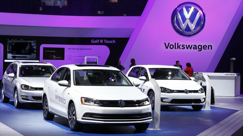 El stand de autos híbridos de Volkswagen