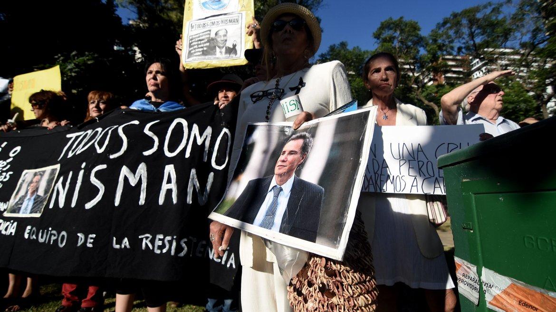 A un año de su muerte, se realizó un acto en Plaza Alemania con la consigna Velas por Nisman
