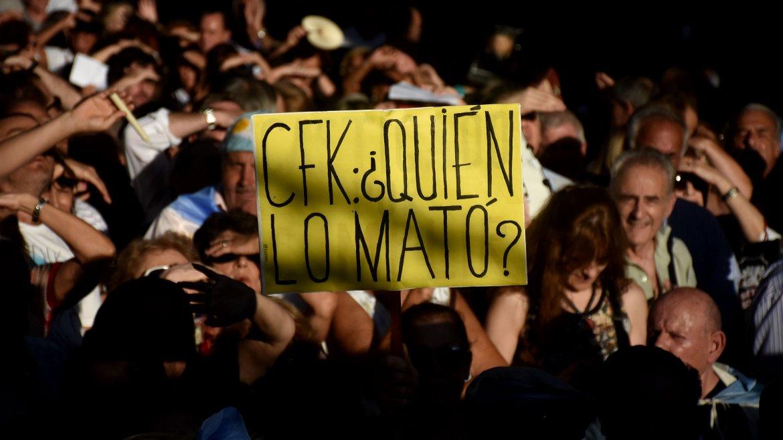 Con presencia de funcionarios y reclamos de Justicia, rindieron homenaje al fiscal Alberto Nisman