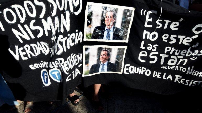 En el primer aniversario de la muerte de Nisman, abundaron los reclamos para que se esclarezca el caso.