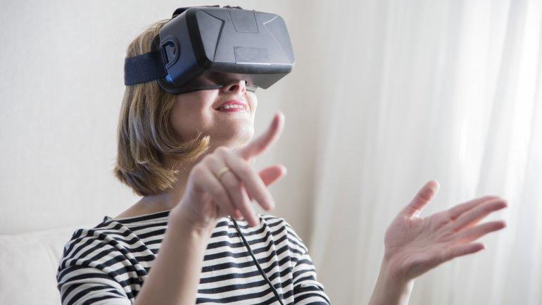 La realidad virtual logrará que las distancias geográficas dejen de ser un impedimento para relacionarnos y compartir experiencias, según el autor