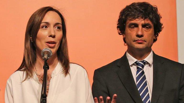 La gobernadora bonaerense María Eugenia Vidal, junto al ministro de Economía provincial, Hernán Lacunza