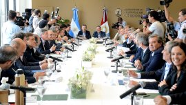Mauricio Macri encabgezó la reunión de gabinete nacional junto a Juan Schiaretti