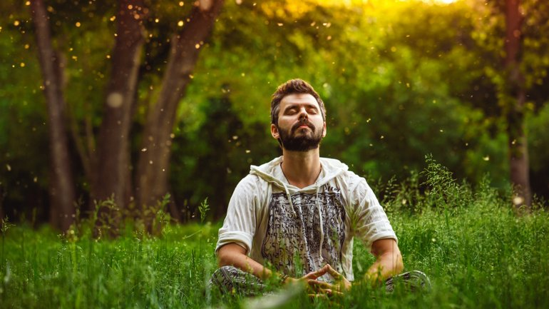 Meditar, una manera de encontrar paz mental