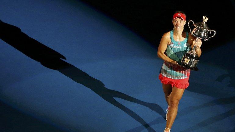 Kerber se quedó con el Abierto de Australia luego de estar a un punto de perder en la primera ronda del certamen