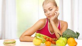 Una de las bases de una buena alimentación debe ser comer crudo, según la OMS