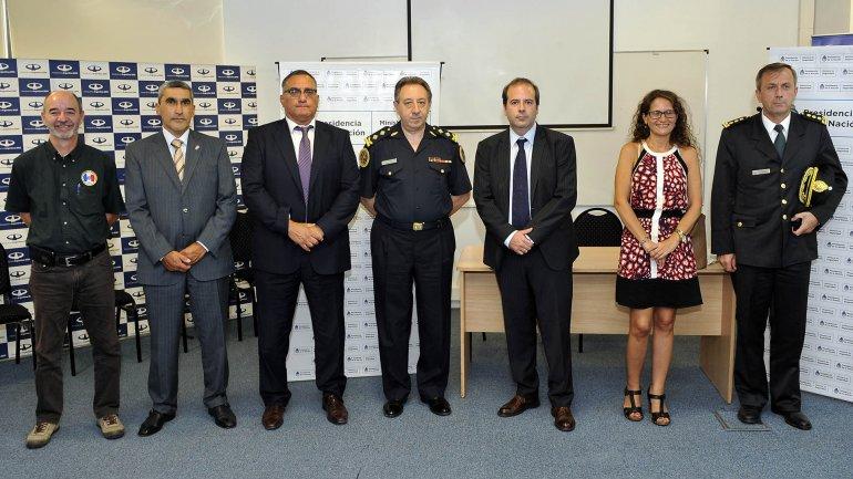 La primera camada de agentes de seguridad entrenados para el programa AIRCOP.