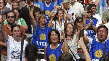 Docentes bonaereneses presionan para lograr una suba salarial