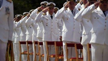 El primero del ex ministro Agustín Rossi está entre los militantes K que permanecen en la Escuela de Defensa Nacional - Imagen de archivo