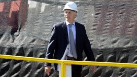 Mauricio Macri reconoce a sus íntimos que se siente abrumado