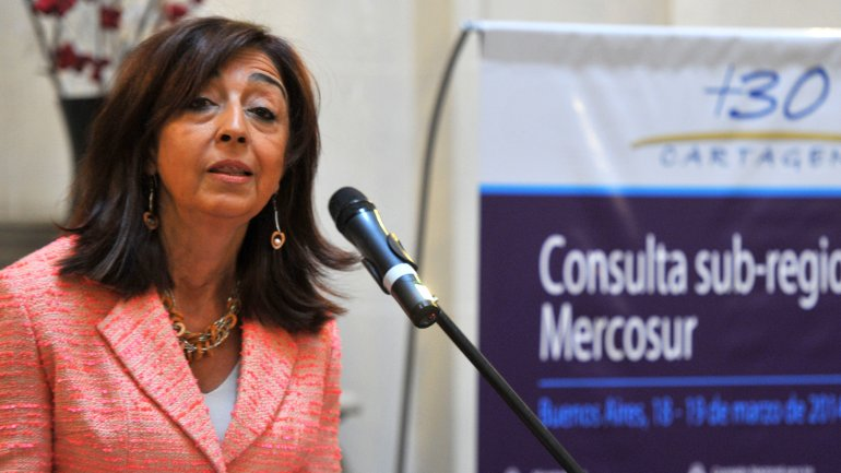 María del Carmen Squeff,, embajadora argentina en Paris