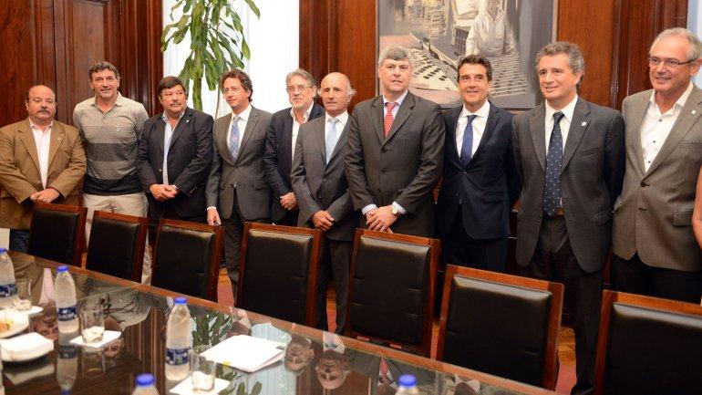 Directores del Banco Nación junto al ministro de Agroindustria recibieron a los principales dirigentes del agro