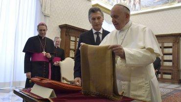 Mauricio Macri y el Papa Francisco, juntos por primera vez desde el cambio de gobierno.