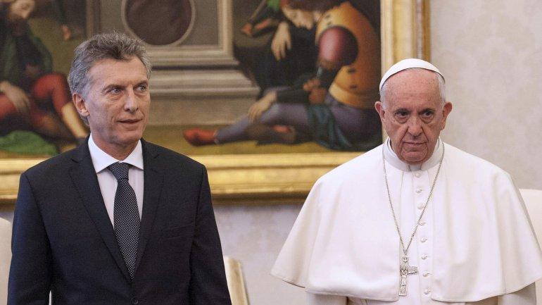 Sin sonrisas. El encuentro entre Macri y el Papa fue protocolar y frío.