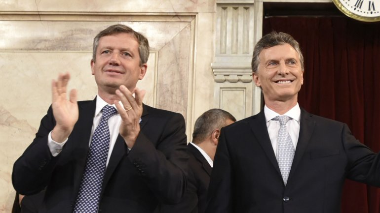 Emilio Monzó junto a Mauricio Macri el día de la asunción del Presidente