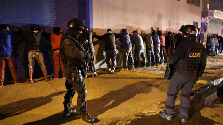 La policía detuvo a unas 50 personas por los incidentes