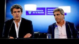 El ministro Alfonso Prat-Gay y el secretario Luis Caputo