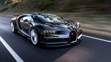 Sobre una estructura de fibra de carbono, Bugatti instaló una evolución del motorW16 8.0 cuatri-turbo