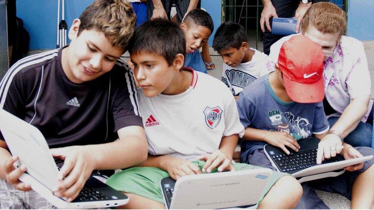 Por el programa Conectar Igualdad, se entregaron más de 5.300.000 de netbooks a alumnos y docentes de escuelas públicas.