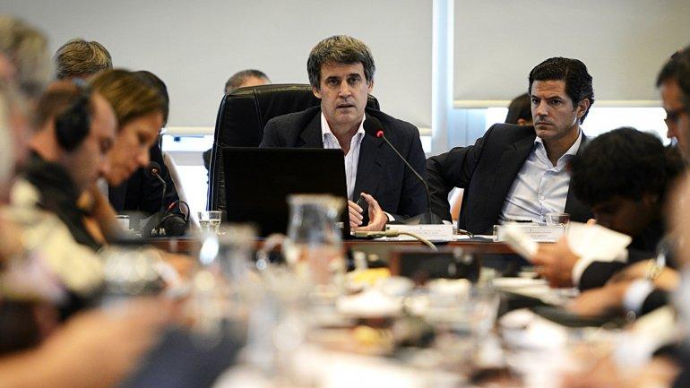 El ministro Alfonso Prat-Gay aseguró a los legisladores que la regularización de la deuda en default no excederá los USD 15.000 millones