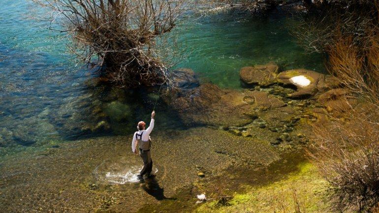 Río Chimehuín, ideal para la pesca, pero sólo para los que pueden pagar.