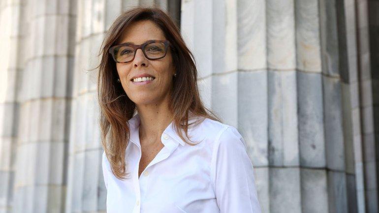 Pido disculpas a todos públicamente, afirmó Laura Alonso al modificar su postura crítica sobre el acuerdo con Chevron.